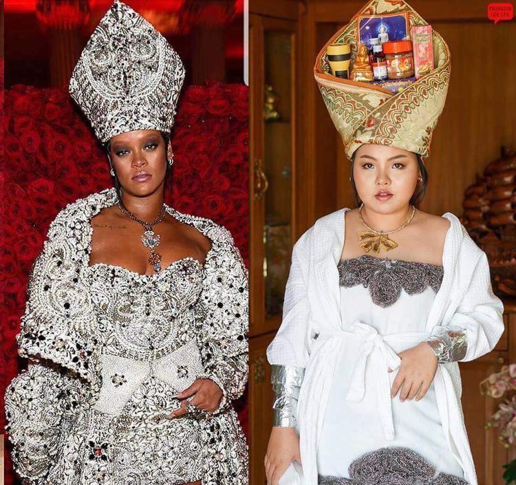 Áo choàng tắm buộc quanh mình, đầu đội chiếc khăn quấn khéo léo cùng cả đống chai, lọ, trông cô nàng có khác gì Rihanna đang đi dự Met Gala đâu.