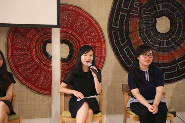 Chị Trần Anh Phương (giữa).