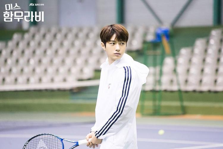 """Myung Soo: """"Chị có tin tôi tới cho cái vợt vô mặt chị không hả""""."""