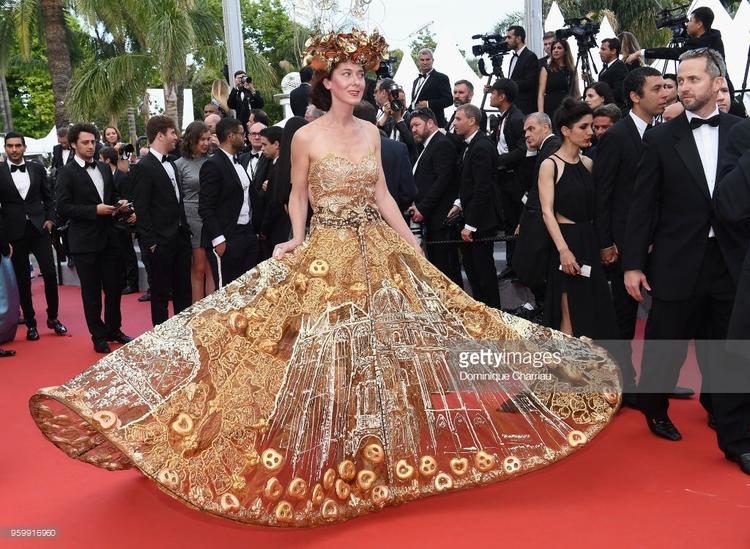 Dàn khách mời tung tuyệt chiêu khiến nhiều người choáng váng tại Cannes ngày 11