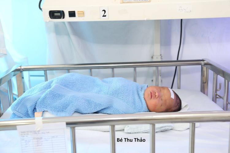 Hai bé sơ sinh tội nghiệp bị hai người mẹ bỏ rơi tại bệnh viện