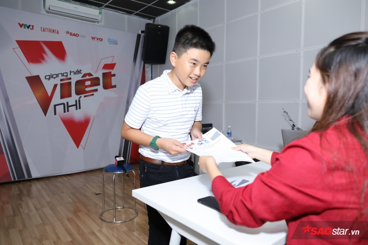 Nguyễn Lê Minh Nguyên từng là thí sinh tạiThe Voice Kids 2017ở team Vũ Cát Tường.