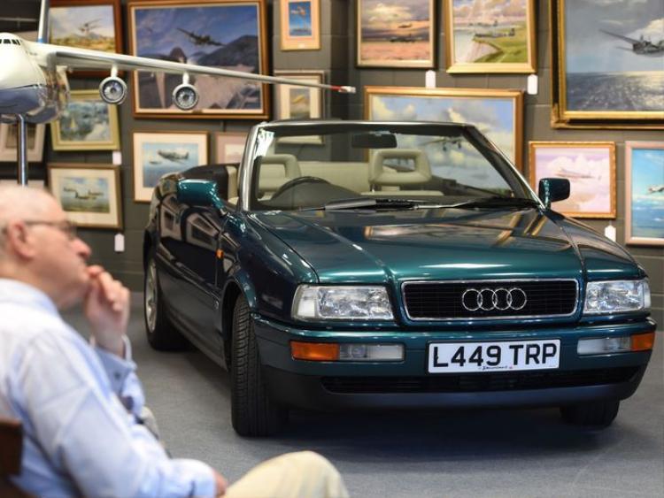 Chiếc Audi xanh đậm từng được Công nương xứ Wales Diana lái.