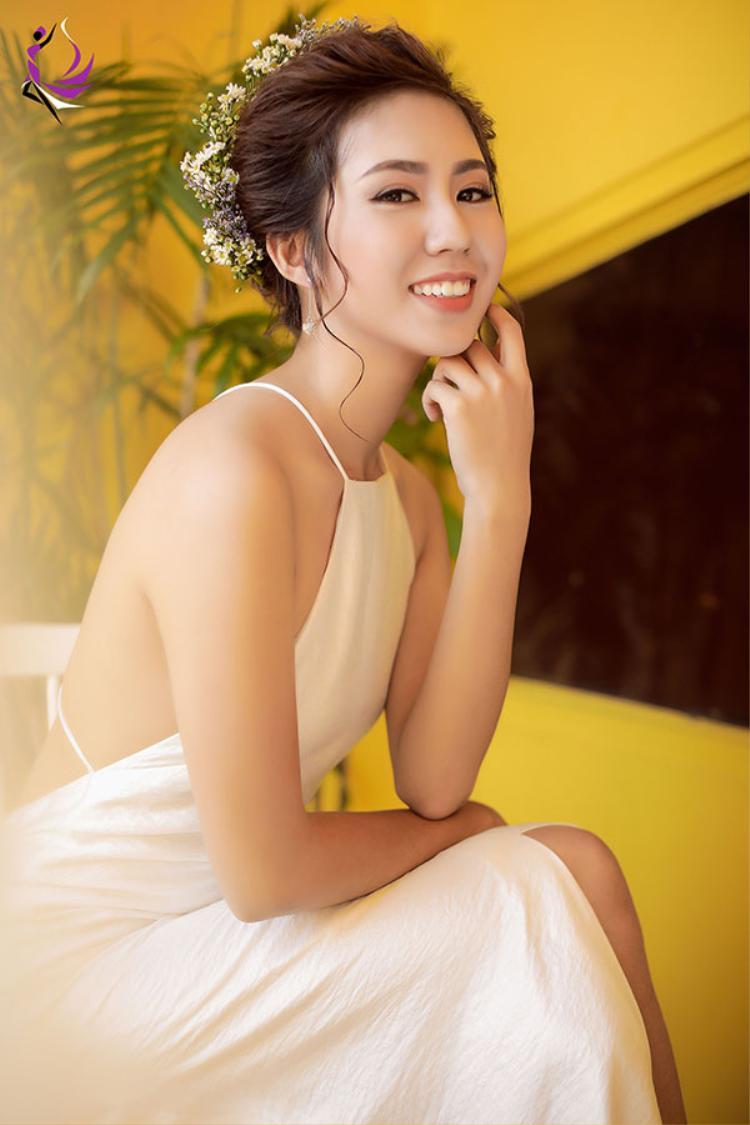 Hoàng Như Mai.