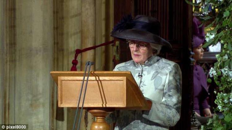 Bà Lady Jane Fellowes dự lễ cưới của cháu trai. Ảnh: Daily Mail