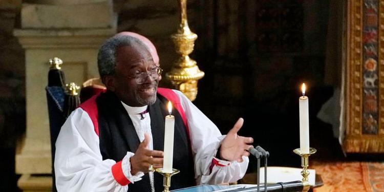 Đức giám mục Curry tại đám cưới của Harry - Meghan.
