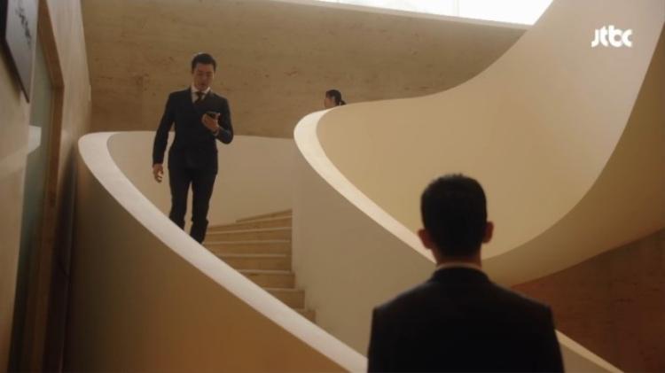 Phim Chị đẹp kết thúc với cảnh trai trẻ cởi trần khoe múi nhưng khán giả vẫn khen chê đủ đường