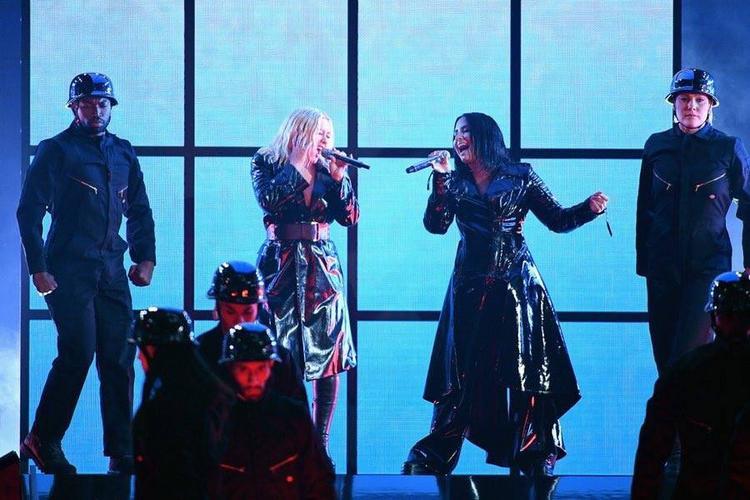 Christina Aguilera đã có màn song ca cực đỉnh với Demi Lovato.