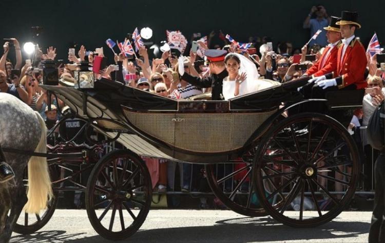 Xe ngựa Hoàng tử Harry và Meghan chọn trong buổi diễu hành.