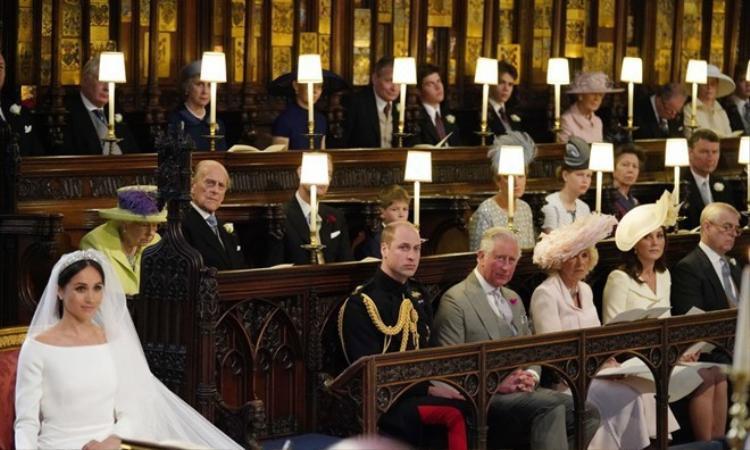 Chiếc ghế trống cạnh Hoàng tử William trong đám cưới.