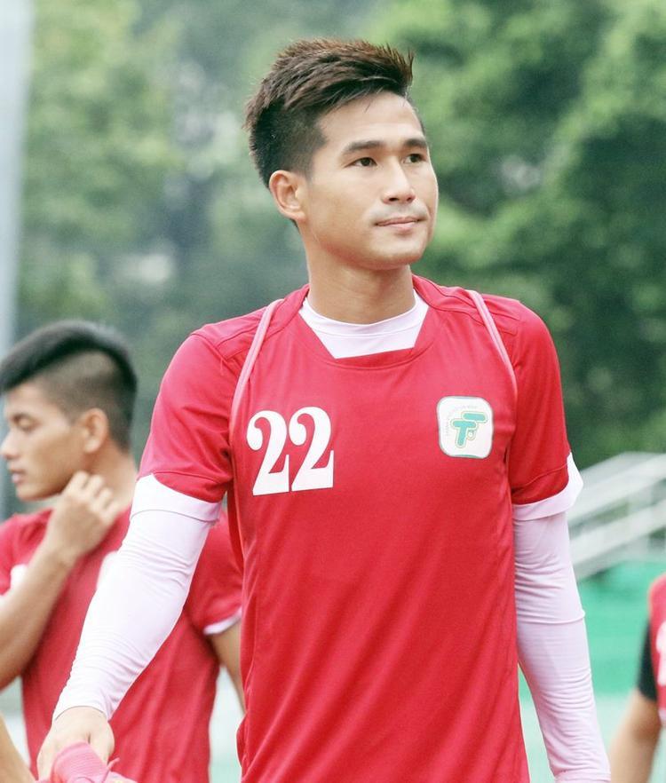 Quốc Long hết đường trở lại đội tuyển Việt Nam vì lỡ văng tục.
