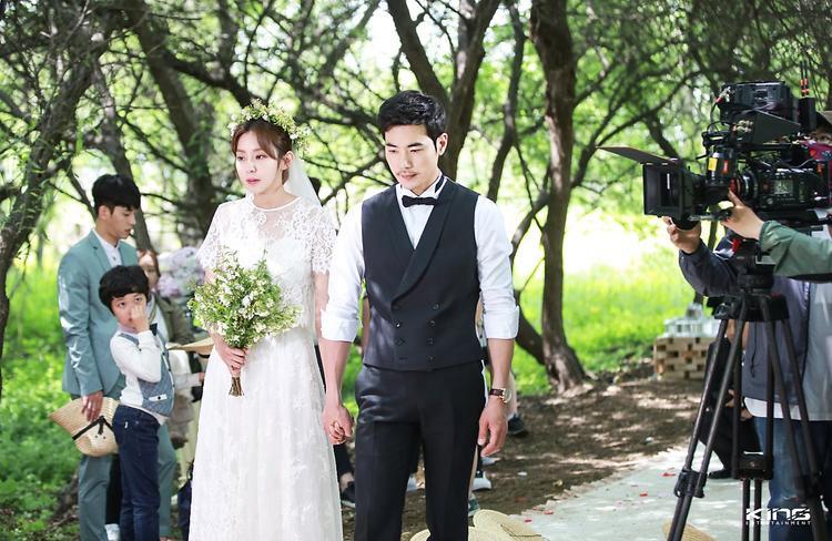 Trong tập cuối,Han Seung Joo (Uee) - cô gái thành thị ởđộ tuổi giữa 30, hiện đang là PD (nhà sản xuất) cho một đài truyền hình và chàng trai nông thôn - vốn là một nghệ nhân danh tiếng có tên làOh Jak Doo (Kim Kang Woo) tổ chức lễ kết hôn sau khi trải qua nhiều gian nan thử thách trong tình yêu.