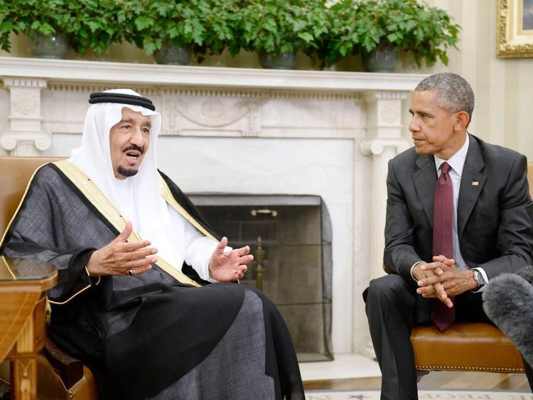 Quốc vương Salman bin Abdulaziz Al Saud trong một buổi trò chuyện với cựu Tổng thống Barack Obama.