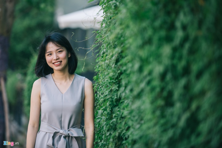 Em họ Hương Giang Idol- nữ giảng viên 22 tuổi ĐH Kinh tế Quốc dân: Tự tin không rêu rao mối quan hệ để ăn theo