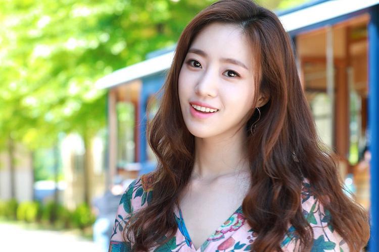 EunJung về với UFO Production - công ty đã hậu thuẫn sự nghiệp diễn xuất của cô từ bé.