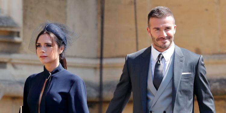 Vic và Beck tham dự lễ cưới của Hoàng tử Harry của Hoàng gia Anh trong bộ trang phục thanh lịch và thời trang.