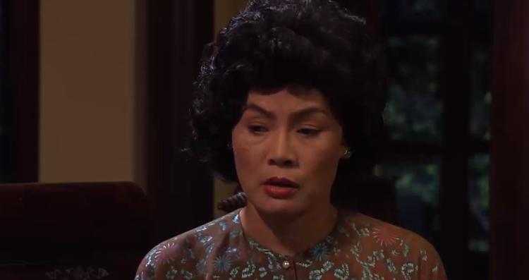 Mẹ Thanh Trà ham mê cờ bạc, bà thường tìm đến sòng bạc mà Lý Tắc mở.