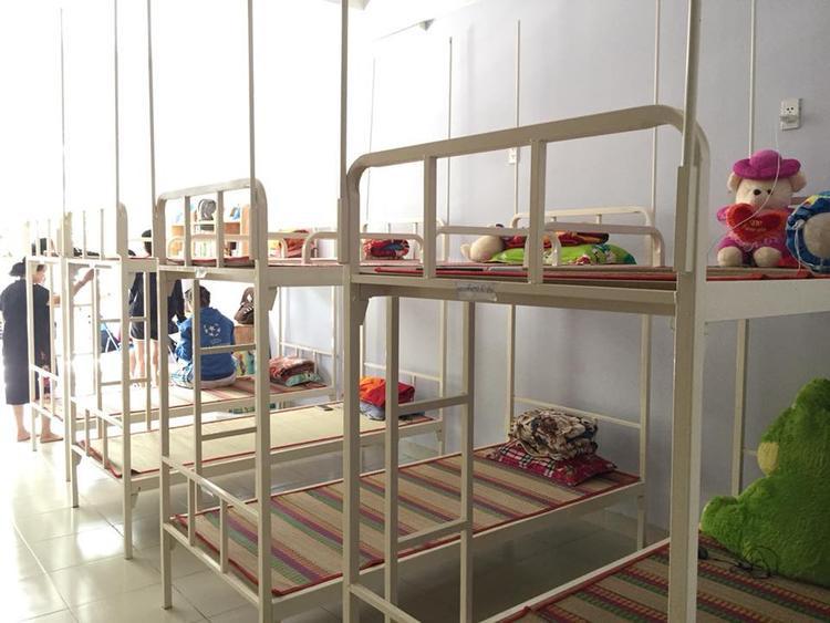 Tại mỗi phòng, KTX sẽ xếp có 8 giường, dành cho 8 bạn sinh viên.