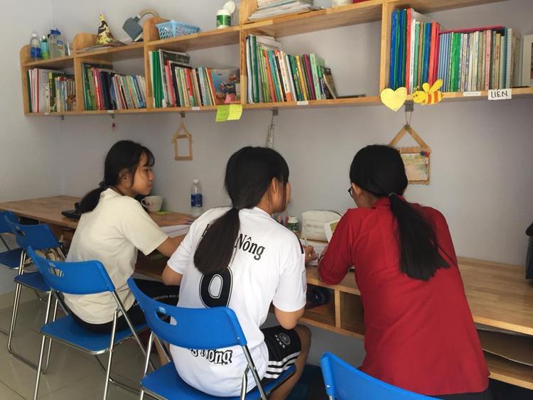 KTX Cỏ May không chỉ là nơi để các bạn sinh hoạt, học tập, với mỗi sinh viên tại đây, Cỏ May còn là gia đình thứ 2 của mỗi bạn.
