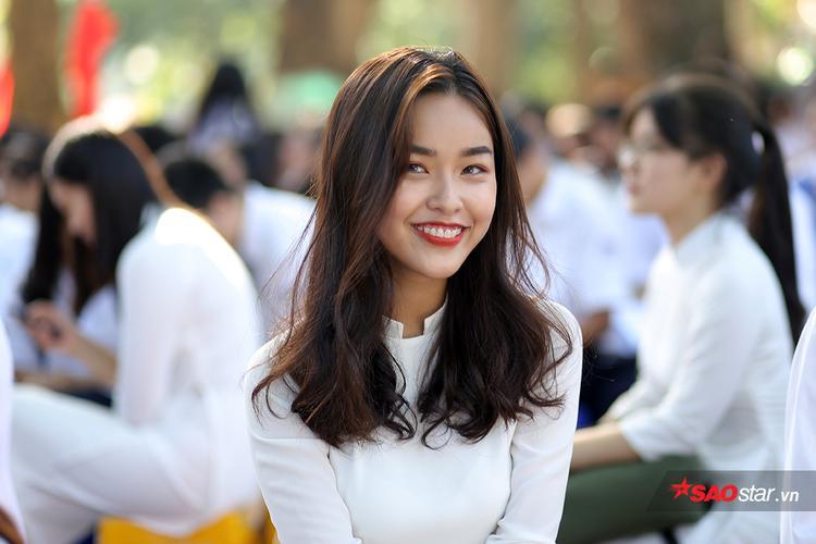 """THPT Chu Văn An cũng là 1 trong những """"lò luyện"""" hot girl ở Hà Nội."""