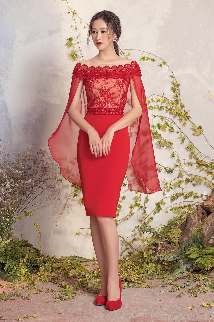 Về kiểu dáng, NTK tận dụng triệt để các kiểu dáng như váy xòe, váy bó sát cơ thể, váy cúp ngực…giúp người mặc thuận tiện cho việc lựa chọn trang phục phù hợp với vóc dáng và mục đích sử dụng.