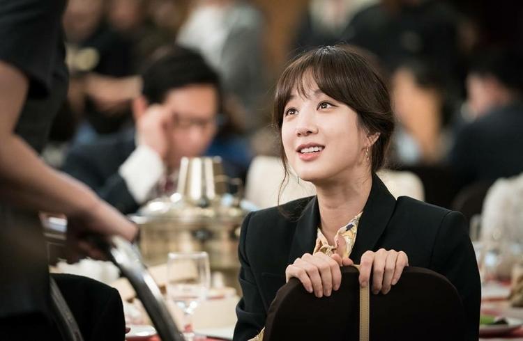 Với gương mặt sáng, nụ cười tỏa nắng cùng diễn xuất tự nhiên, ngọt ngào của Jung Ryeo Won đã khắc họa nên một Sae Woo nhí nhảnh, đáng yêu song cùng đầy những tâm sự, suy tư của một cô gái giàu có nhưng gặp quá nhiều khó khăn trong cuộc sống.