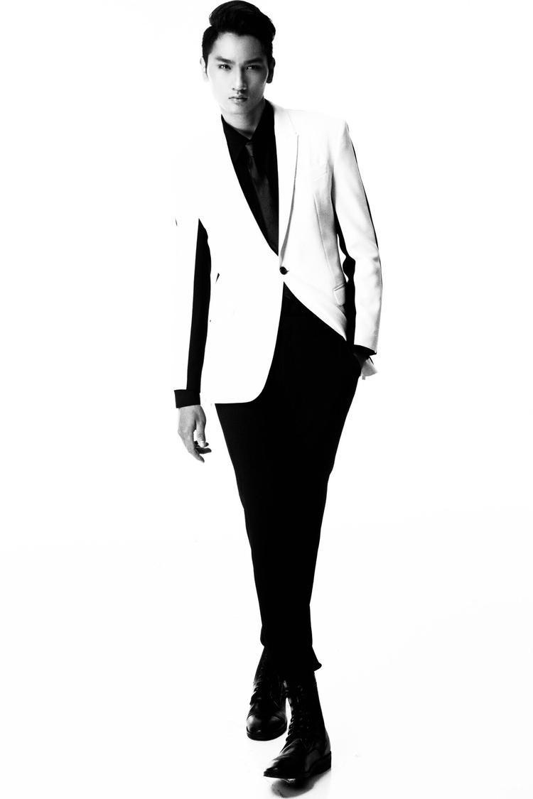 Chàng mẫu trẻ Nguyễn Huy Quang là Á quân Vietnam's Next Top Model 2016. Huy Quang cũng là gương mặt được Đỗ Mạnh Cường khám phá, từ trước khi anh tham gia Vietnam's Next Top Model.