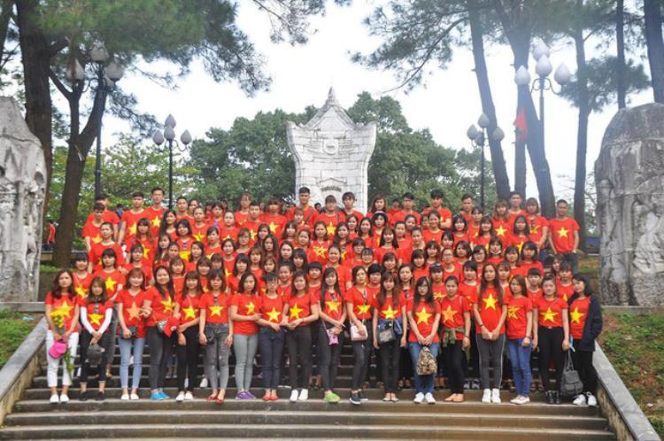 Một buổi học thực tế của sinh viên khoa du lịch trường Đại học Kinh Bắc.