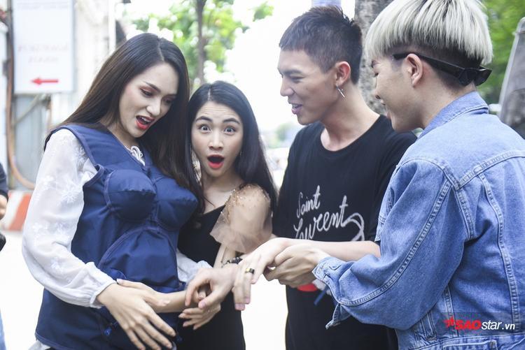 """Hòa Minzy """"bàng hoàng"""" khi """"em bé"""" trong bụng Hương Giang chòi đạp."""