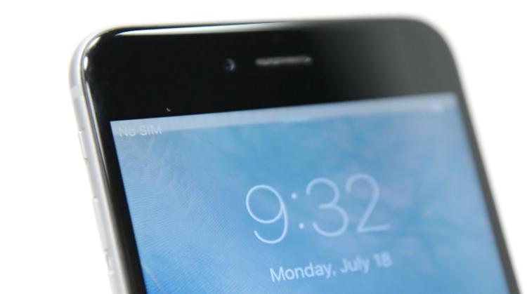 Hai năm sau, vào năm 2016, nhiều iPhone 6, 6 Plus ghi nhận tình trạng màn hình cảm ứng kém nhạy, xuất hiện sọc trên màn hình… Đây cũng có thể là kết quả của việc thân máy dễ cong.