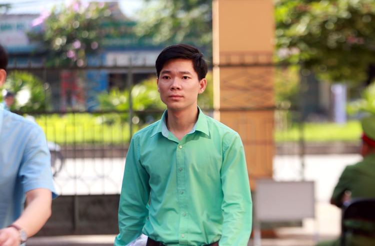 Bị cáo Hoàng Công Lương trong phiên toà sáng 25/5.