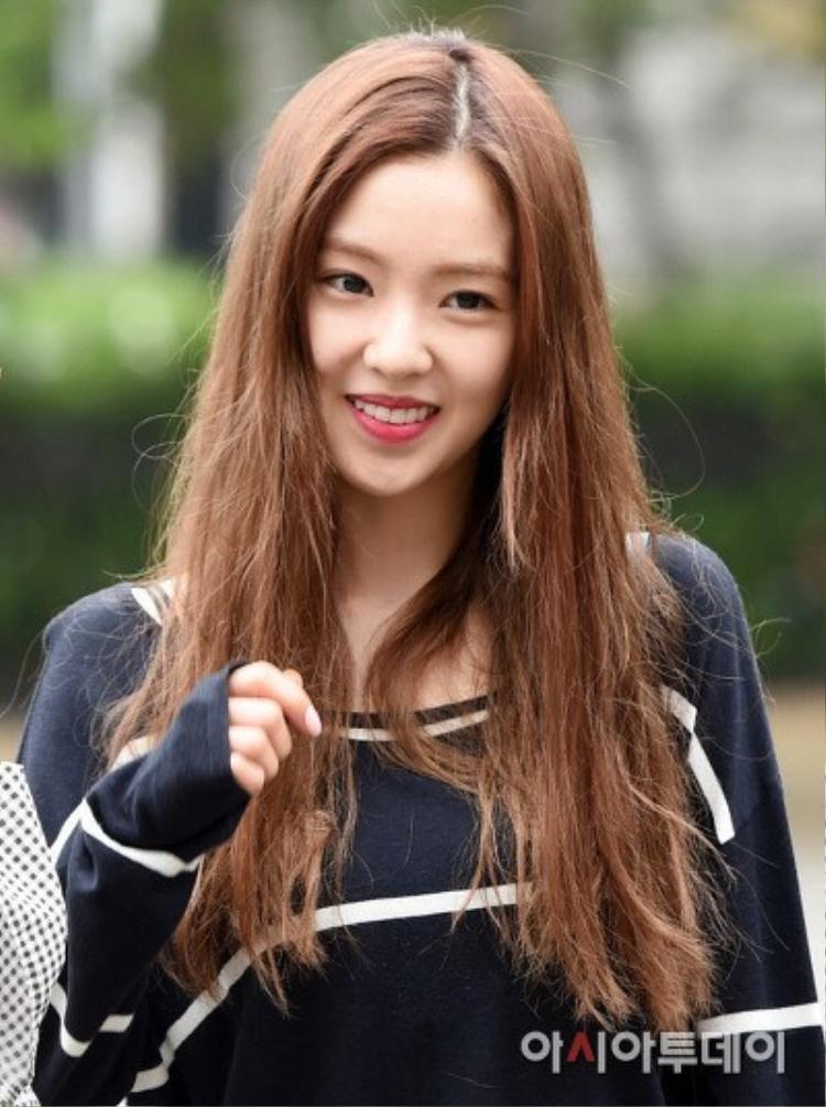 """""""Nữ thần sắc đẹp"""" Irene (Red Velvet) nhưng mái tóc chẳng đẹp chút nào."""