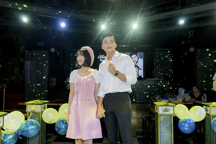 1001 biểu cảm đáng yêu của thầy giáo mưa Mai Tài Phến tại offline mừng sinh nhật