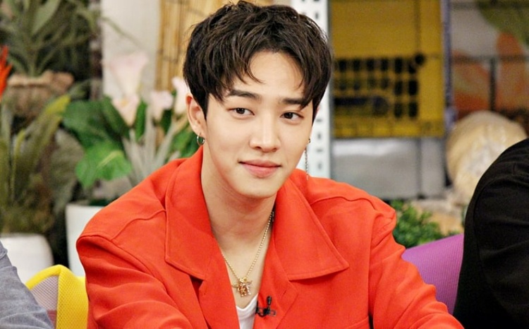 Lee Ki Kwang của Highlight.