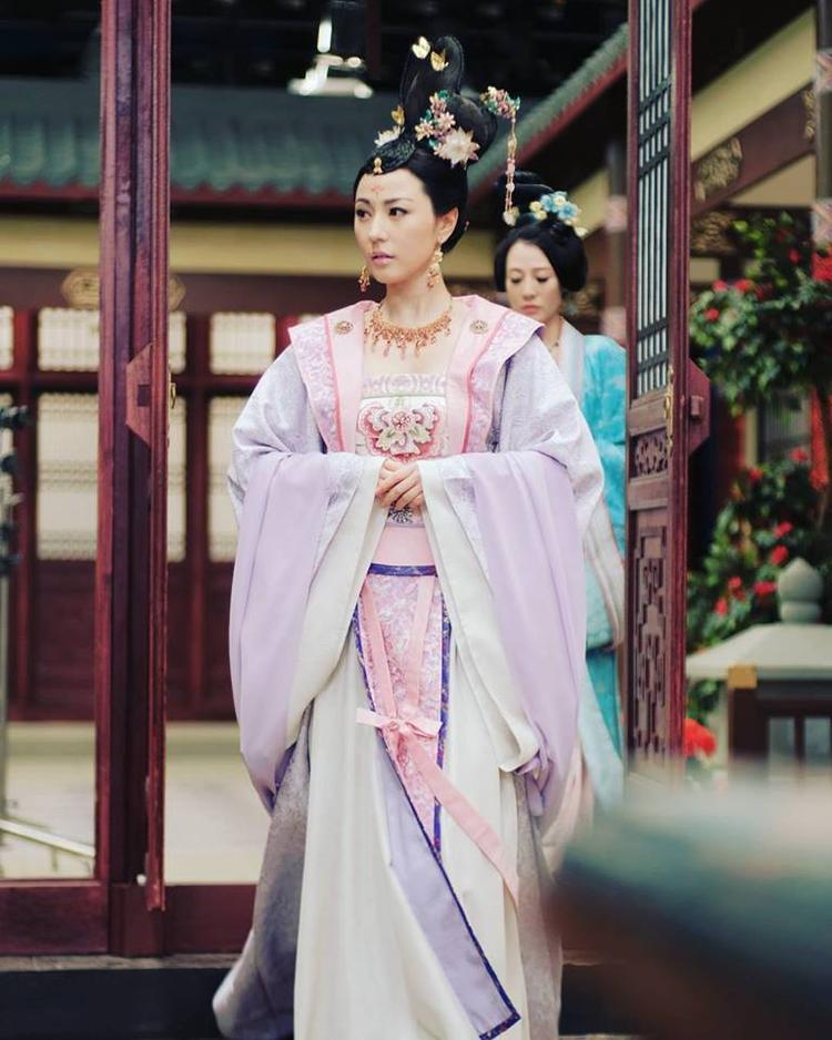 Nữ chính Thâm cung kế Lưu Tâm Du: Bà chủ không dám mở cánh cửa hôn nhân cùng thân phận phức tạp