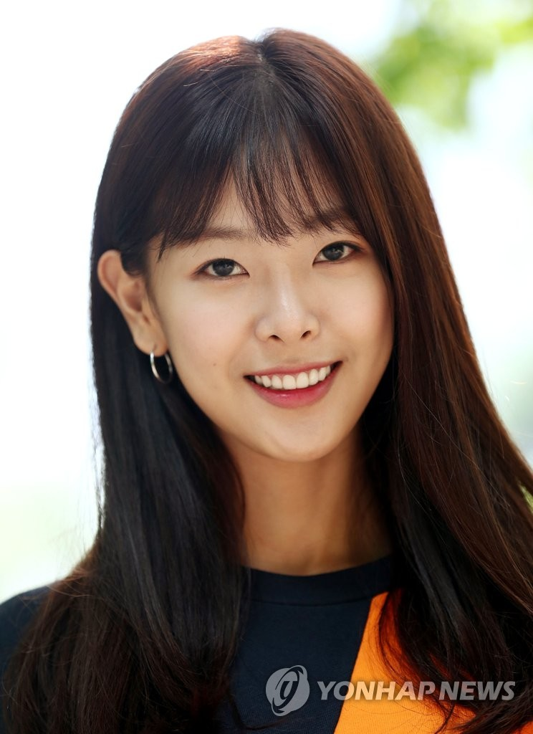 Nữ diễn viên sinh năm 1994 - Go Won Hee. Cô bắt đầu sự nghiệp giải trí của mình như vào năm 2011 với tư cách là người mẫu.