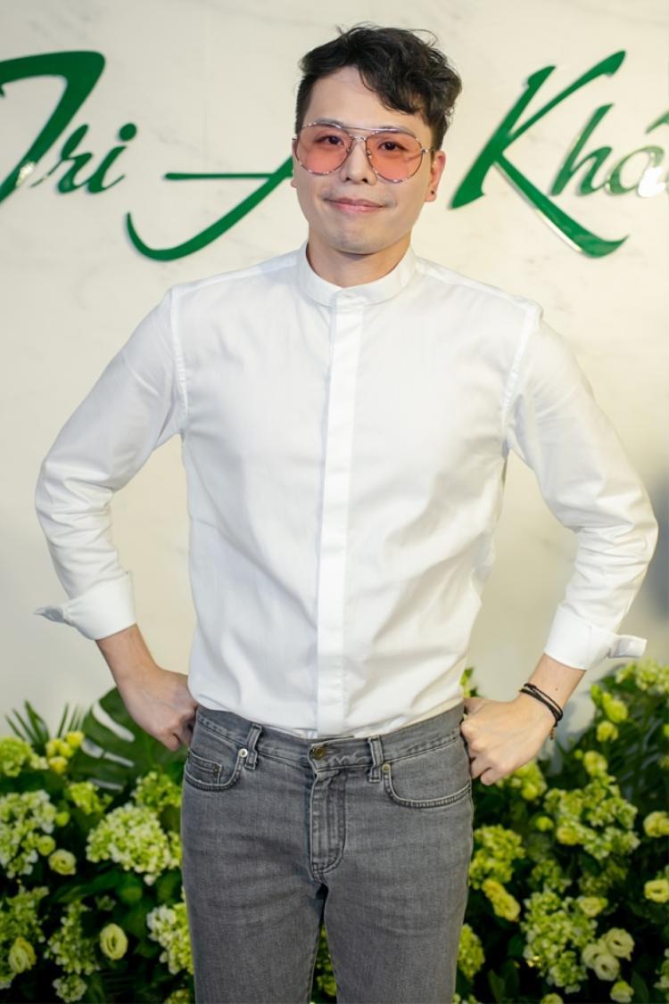 Nam diễn viên Ông ngoại tuổi 30 nhận được sự quan tâm của các khách mời khi xuất hiện trong sự kiện.