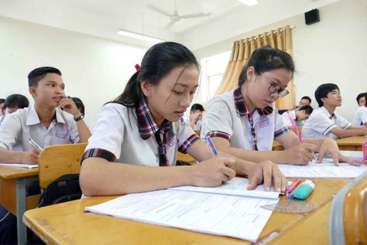 Cụ thể, từ năm 2021 trở đi, các bài thi, môn thi có thể tổ chức cho thí sinh làm bài thi trên máy tính. Ảnh: Thanh niên.