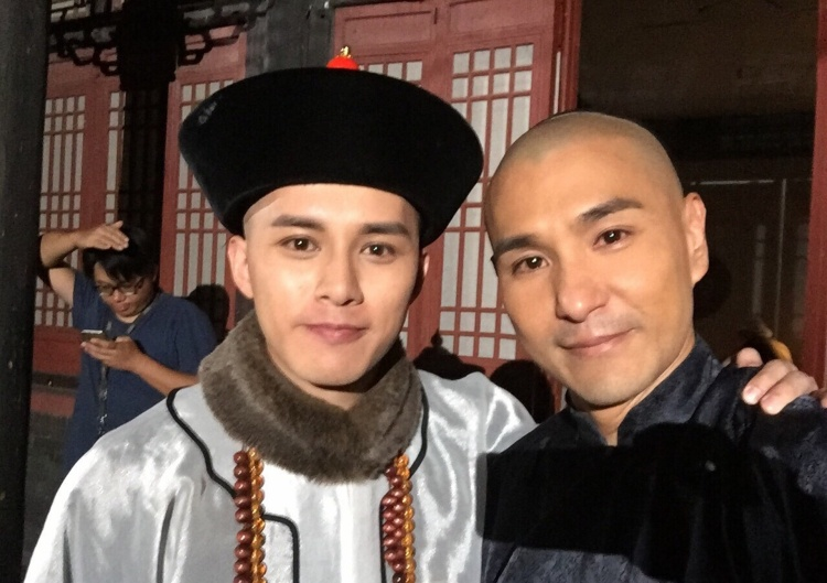 Hà Quảng Bái thủ vai Phong Thân Ân Đức-là con trai Hòa Thân (Trần Triển Bằng)