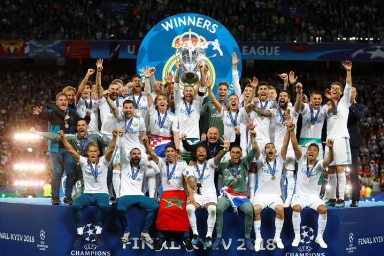 Real Madird lần thứ 3 liên tiếp vô địch Champions League. Đây là cúp Champions League thứ 13 trong lịch sử Real Madrid và là lần đầu tiên sau 42 năm một đội ba lần liên tiếp vô địch ở giải đấu danh giá này.