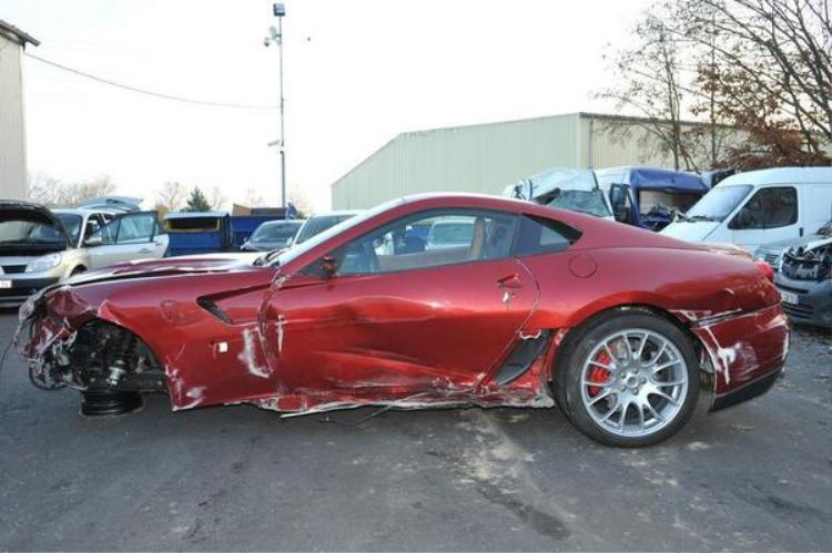 Chiếc xe Ferrari 599 GTB Fiorano trong vụ tai nạn xe đáng chú ý nhất mà Ronaldo từng gây ra.