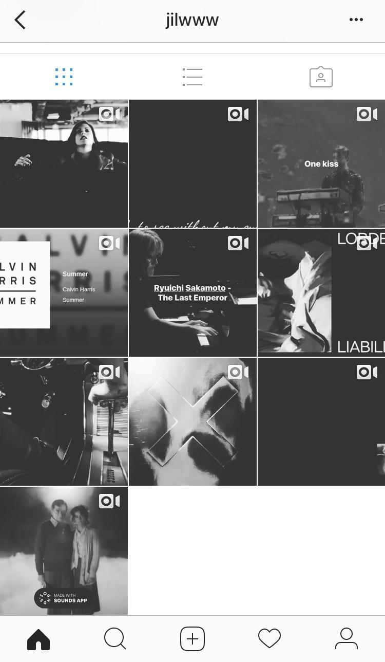 Chín clip nhạc được nam diễn viên đăng tải cùng một ngày.