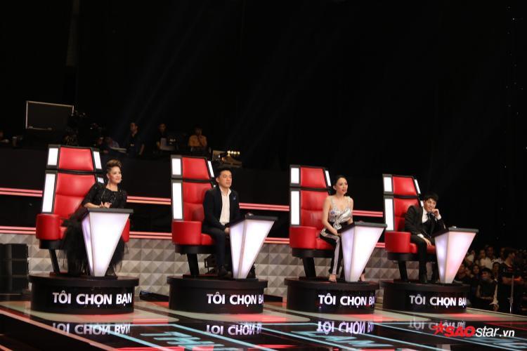 Tập 3 The Voice: Ai là người tiếp theo sử dụng nút chặn thần thánh?
