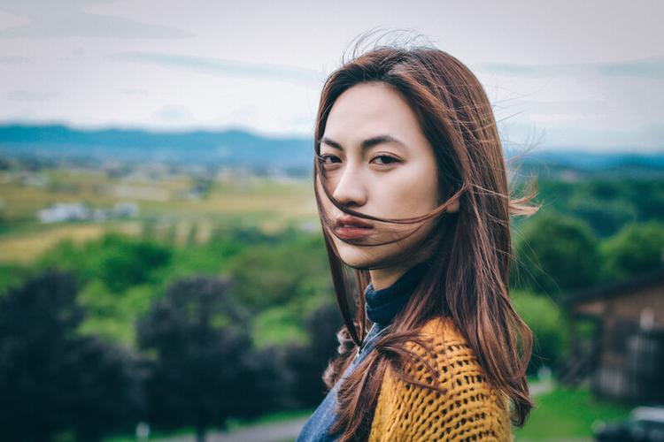 """Tạo hình của nàng Hạ trong """"Nhắm mắt thấy mùa hè"""" của Phương Anh Đào."""