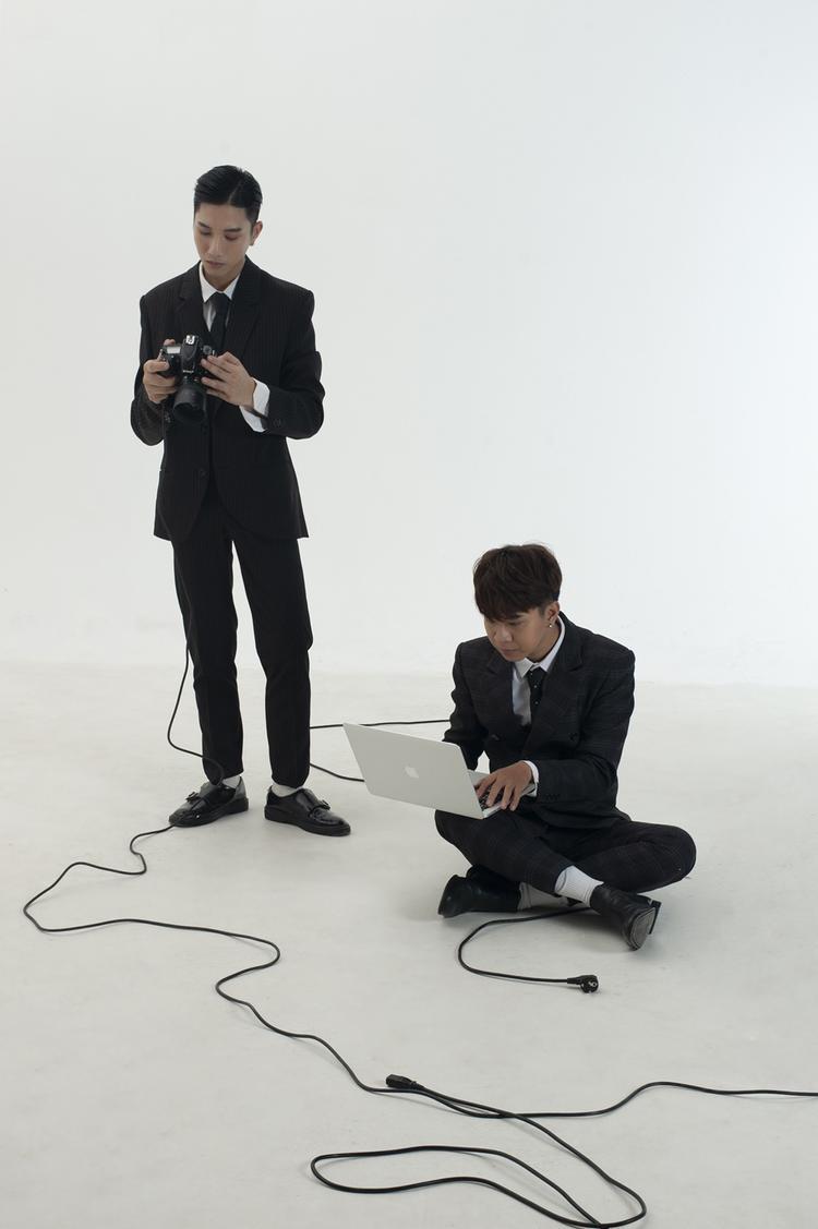 Bộ đôi hot nhất Sing My Song Juun Đăng Dũng  RTee tung bộ ảnh siêu thực quảng bá single mới
