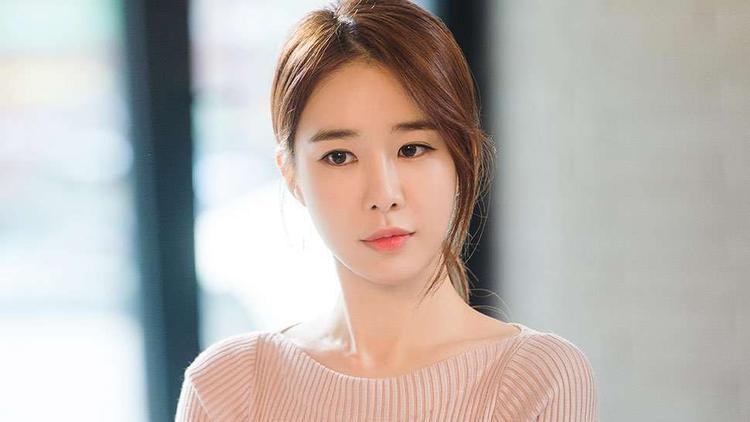 Và Yoo In Na xinh đẹp.