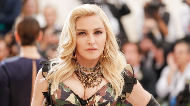 Madonna lộng lẫy trên thảm đỏ…