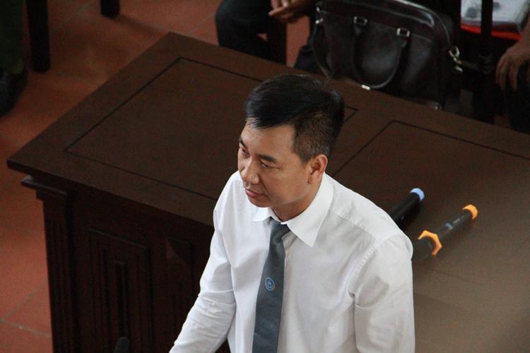 Luật sư Nguyễn Danh Huế chỉ ra những điểm phi lý về giá chạy thận ở Bệnh viện Đa Khoa Hòa Bình.