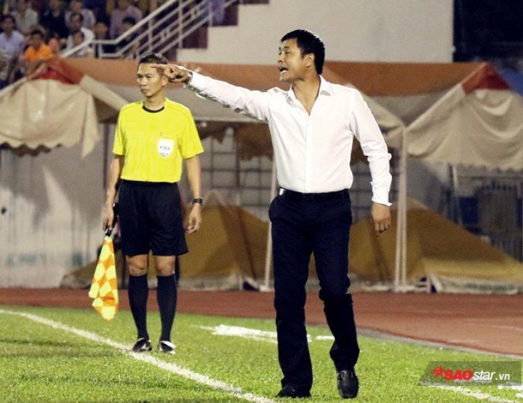 Chủ tịch Nguyễn Hữu Thắng không hài vòng với phán xử từ VFF.
