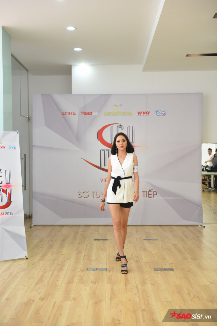 Với lợi thế kinh nghiệm do từng chinh chiến qua nhiều cuộc thi, cô nàng được nhận định là một trong những thí sinh tiềm năng của Siêu mẫu Việt Nam 2018 này.